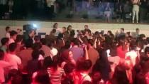 Haluk Levent Burslu Öğrenciler İçin Sahneye Çıktı