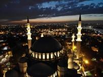 SÜLEYMANIYE CAMII - İftar İçin Süleymaniye'ye Akın Ettiler