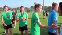 Kadın Ve Erkek Futbol Takımları, Özel Maçta Karşılaştı
