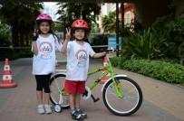 Küçük Sporcuların Bisiklet Yarışı Heyecanı