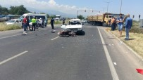 Manisa'da Baba İle Kızını Kaza Ayırdı