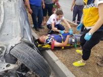 Motosiklete Çarpmamak İçin Refüje Çarpıp 50 Metre Takla Attı Açıklaması 4 Yaralı