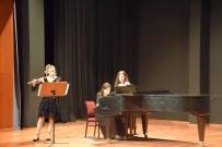 Öğrencilerden 'Flüt Sınıf Konseri'