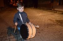 SIRKECI - (Özel) Bu Mahalle 3 Yaşındaki Çocuğun Davul Sesiyle Sahura Uyanıyor