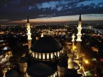 SÜLEYMANIYE CAMII - (Özel)İftar İçin Süleymaniye'ye Akın Ettiler