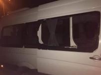 RIZESPOR - Rize Deplasmanı Dönüşü Trabzonspor Taraftarını Taşıyan Konvoya Taşlı Saldırı
