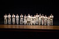 Tiyatroseverler 'Kral Übü' Oyununda Buluştu