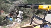 Uçuruma Yuvarlanan Traktörün Sürücüsü Hayatını Kaybetti.