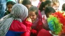 Üniversiteliler, Köy Okuluna Kütüphane Kurdu