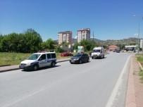 Virajı Alamayan Araç Takla Attı Açıklaması 3 Yaralı