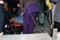 Akaryakıt Tankeri İle Arı Kovanı Yüklü Kamyonet Çarpıştı Açıklaması 1 Ölü, 5 Yaralı