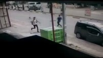 Antalya'da Okula Giden İki Öğrenciye Sokak Köpekleri Saldırdı