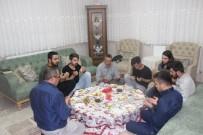 Başkan Tutal İftar Sofrasında Öğrencileri Evinde Konuk Etti