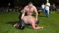 Burhaniye'de Gece Güreşlerini 4 Bin Kişi İzledi