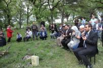 ŞEHİT POLİS - Şehit Polis Memuru Kalmış, Mezarı Başında Anıldı
