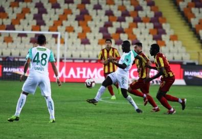 Spor Toto Süper Lig Açıklaması E. Yeni Malatyaspor Açıklaması 0 - Bursaspor Açıklaması 2 (İlk Yarı)