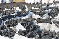 Zorlu Şartlar Altında Mangal Kömürü Üretiyorlar