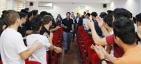 Başkan Genç'ten Antalyaspor Forması Ve Kaşkol Jesti