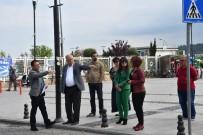 TİCARİ TAKSİ - Başkan Gökhan, Cumhuriyet Ve İskele Meydanı'nda İncelemelerde Bulundu