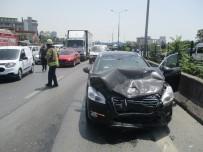 BOSTANCı - E-5 Karayolunda Kaza Açıklaması 2 Yaralı