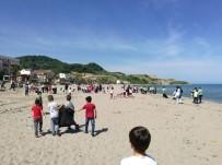 GÜZELKENT - Öğrencilerden Plaj Temizliği