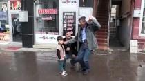 İFTAR VAKTİ - Ramazan Topunu 15 Yıldır Sırtında Taşıyor