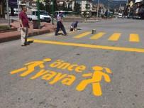 YAYA GEÇİDİ - Tosya Belediyesi, Yaya Geçitlerinde Düzenleme Yaptı