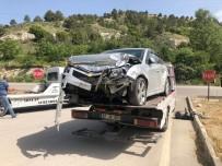 Burdur' Da Trafik Kazası Açıklaması 3'Ü Öğretmen 4 Kişi Yaralandı