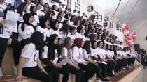 BILIM ADAMLARı - Elementleri Şarkı Söyleyerek Öğreniyorlar