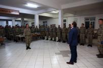 Vali Ali Hamza Pehlivan, İftarını Askerlerle Birlikte Yaptı