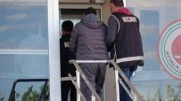 BENZIN - Ayvalık'ta 3 Göçmen Kaçakçısı Tutuklandı