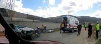 Bayburt'ta Takla Atan Otomobilde Sıkışan Sürücü Kurtarıldı
