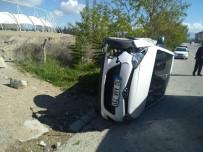 Isparta'da Kontrolden Çıkan Otomobil Yan Yattı Açıklaması 1 Yaralı