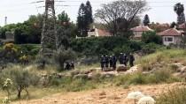 CANLI KALKAN - İsrail Güçleri Batı Şeria'da 4 Filistinliyi Yaraladı