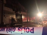 İTFAİYE ARACI - Konya'da Mobilya Tekstil Atölyesinde Yangın