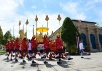 TAYLAND KRALı - Tayland Yarım Milyarlık Taç Giyme Törenine Hazırlanıyor