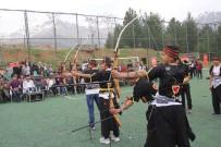 Terörden Arınan İlçede Gençler Ata Sporu Okçuluğu Öğreniyor