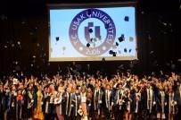 Uşak Üniversitesi 4 Bin 600 Öğrencisini Mezun Etti