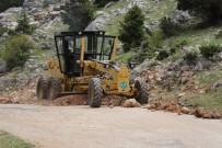 Akseki Belediyesi Yol Bakım Çalışması Başlattı