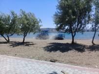YEREL YÖNETİMLER - Çardak Kum Adası Yaz Sezonuna Hazırlanıyor