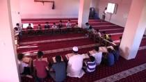 Çocuklar Mukabele İçin Camide Buluşuyor