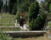 Körfez'de Mezarlıklar Temizleniyor