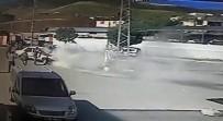 Otomobil Akaryakıt İstasyonu Önünde Yanmaktan Son Anda Kurtarıldı