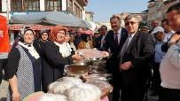 (Özel) Bursa'da Kadınların Ürettiği Yöresel Gıdalar Kapış Kapış Satıldı
