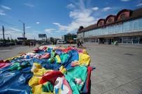 SIBIRYA - Rusya'da Şişme Oyun Parkı Rüzgara Kapıldı Açıklaması 5 Çocuk Yaralandı