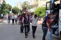 SAHTE KİMLİK - Antalya'da Ucuz Araba Vaadiyle 'Kapora' Dolandırıcılığına 8 Tutuklama