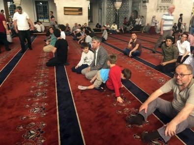 Başkentliler, Kadir Gecesi'nde Camilere Akın Etti