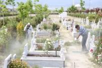 Burdur'da Mezarlıklara Bayram Bakımı