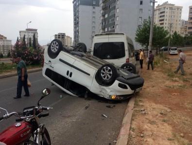 Kahramanmaraş'ta Panelvan Araç Takla Attı Açıklaması 2 Yaralı