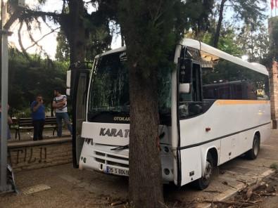 Öğrenci Servisinin Freni Patladı, Facianın Eşiğinden Dönüldü Açıklaması 15 Yaralı